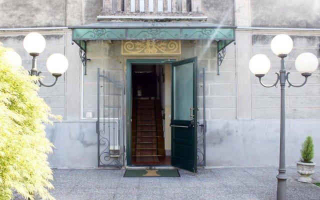 Hotel Ristorante La Torretta Бьянце вид на фасад