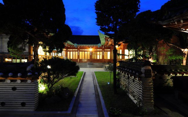 Отель Kundaemunjip Hanok Guesthouse вид на фасад