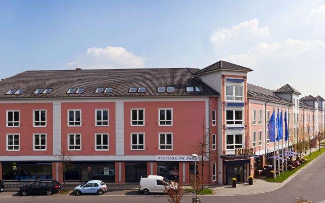 Отель Best Western Premier Airporthotel Fontane Berlin Германия, Берлин - 1 отзыв об отеле, цены и фото номеров - забронировать отель Best Western Premier Airporthotel Fontane Berlin онлайн вид на фасад
