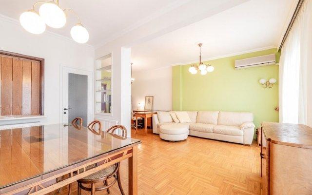 Отель Comfortable Classy Apartment In Thessaloniki Греция, Салоники - отзывы, цены и фото номеров - забронировать отель Comfortable Classy Apartment In Thessaloniki онлайн комната для гостей