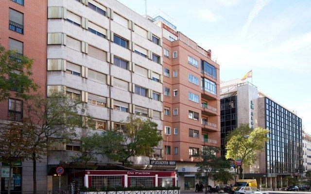 Отель Bluesense Madrid Serrano Испания, Мадрид - отзывы, цены и фото номеров - забронировать отель Bluesense Madrid Serrano онлайн вид на фасад