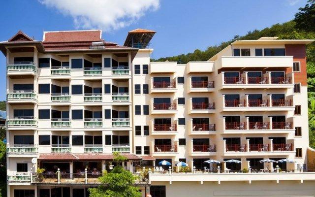 Отель Jiraporn Hill Resort Пхукет вид на фасад