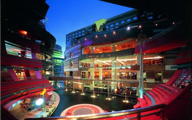 Отель Grand Hyatt Fukuoka Япония, Хаката - отзывы, цены и фото номеров - забронировать отель Grand Hyatt Fukuoka онлайн вид на фасад