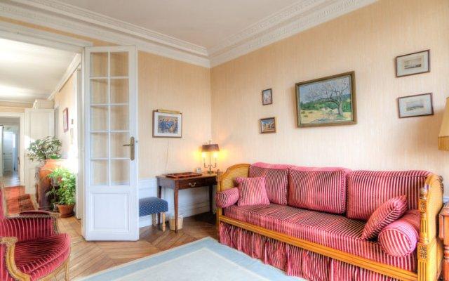 Отель Leclerc A Франция, Париж - отзывы, цены и фото номеров - забронировать отель Leclerc A онлайн комната для гостей