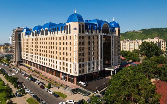 Отель Шера Парк Инн Алматы вид на фасад