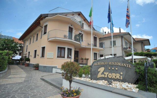Hotel Due Torri Аджерола вид на фасад