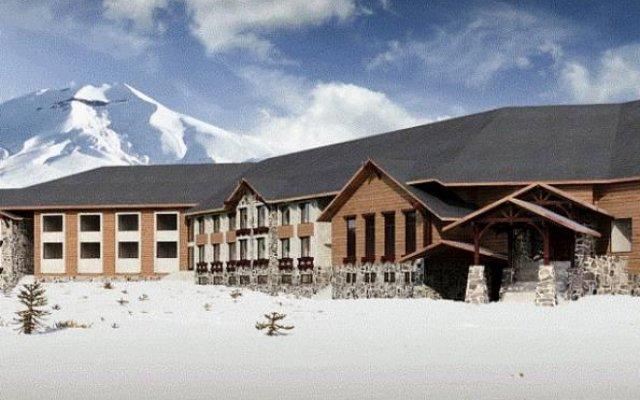 Отель Corralco Mountain & Ski Resort вид на фасад