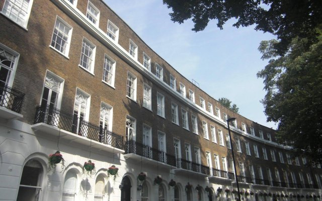 Апартаменты Studios 2 Let Serviced Apartments - Cartwright Gardens вид на фасад