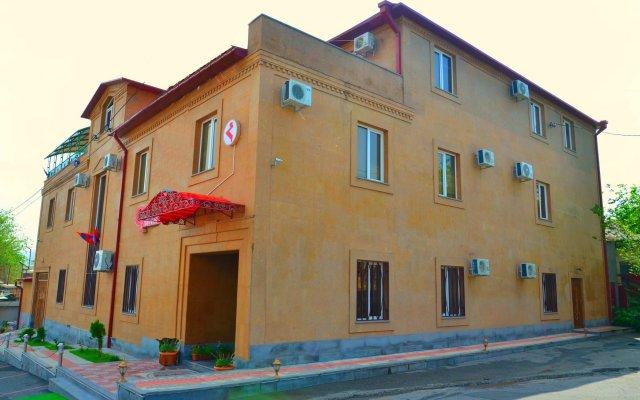 Гостиница Гюмри Ереван вид на фасад