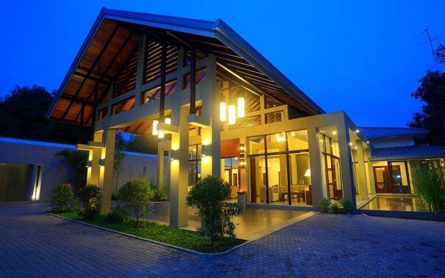 Отель Chaarya Resort & Spa by Chandrika вид на фасад
