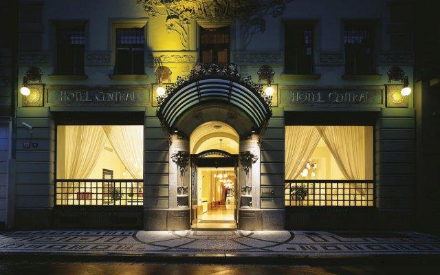 Отель K+K Hotel Central Prague Чехия, Прага - 3 отзыва об отеле, цены и фото номеров - забронировать отель K+K Hotel Central Prague онлайн вид на фасад