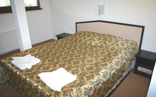 Отель Hoteli Smolyan Hotel Ribkata Болгария, Смолян - отзывы, цены и фото номеров - забронировать отель Hoteli Smolyan Hotel Ribkata онлайн комната для гостей