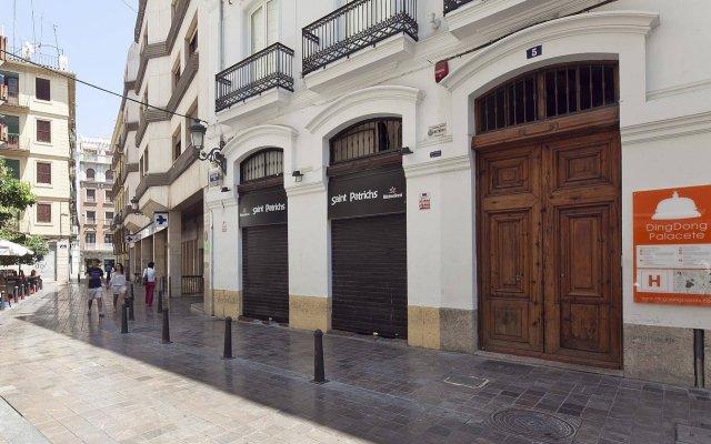 Отель DingDong Palacete Испания, Валенсия - 1 отзыв об отеле, цены и фото номеров - забронировать отель DingDong Palacete онлайн вид на фасад