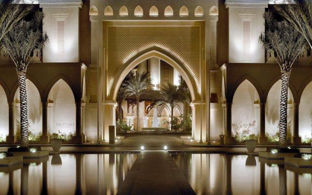 Отель The Palace Downtown Дубай вид на фасад