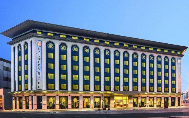 Отель Ramada Plaza ОАЭ, Дубай - 6 отзывов об отеле, цены и фото номеров - забронировать отель Ramada Plaza онлайн вид на фасад