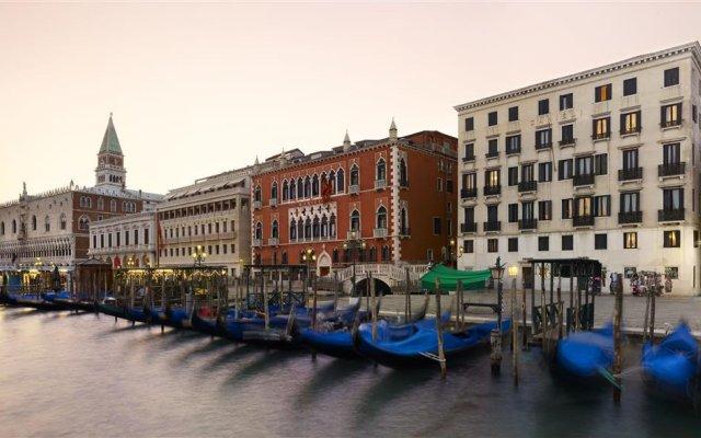 Danieli Venice, A Luxury Collection Hotel Венеция городской автобус