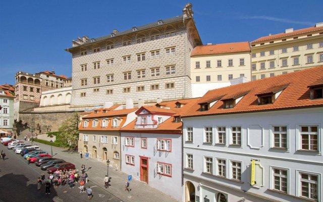 Hotel Red Lion Прага вид на фасад