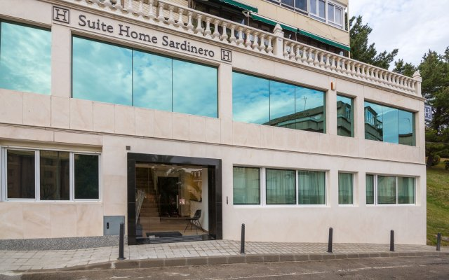 Отель Suite Home Sardinero вид на фасад
