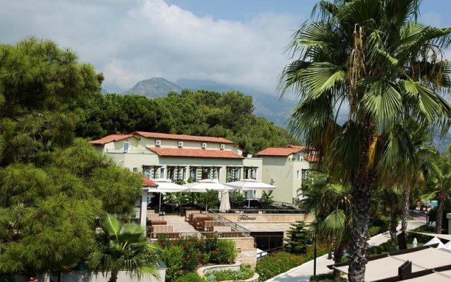 Отель Crystal Flora Beach Resort вид на фасад
