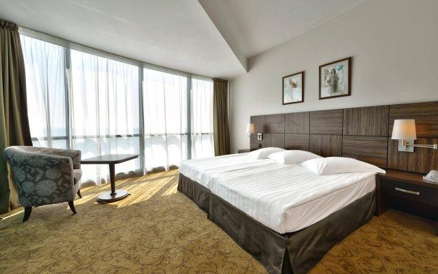 Отель Marina Grand Beach Золотые пески комната для гостей