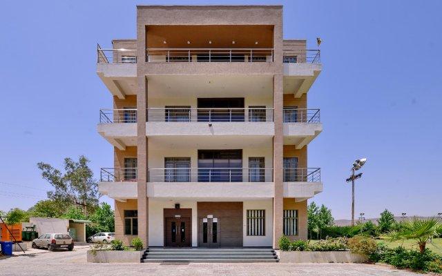 Отель OYO 9140 Maharana Greens вид на фасад