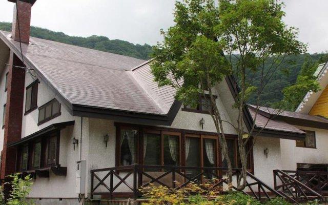 Отель Guest House Wind Inn Hakuba Хакуба вид на фасад