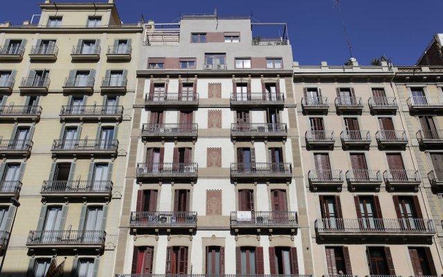 Отель Exe Plaza Catalunya Барселона вид на фасад