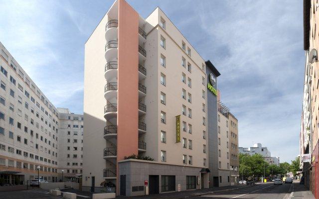 B&B Hotel Lyon Caluire Cité Internationale вид на фасад