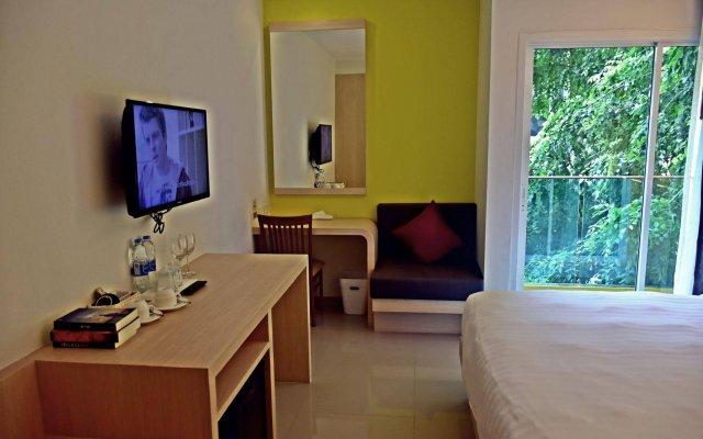 Отель Ocean And Ole Patong Пхукет комната для гостей