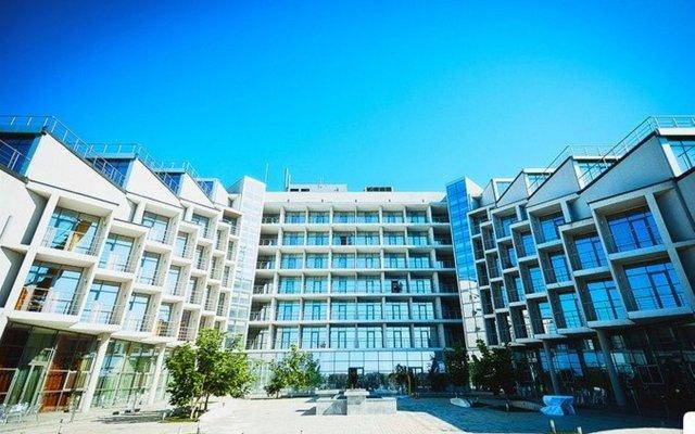 Гостиница Золотой Затон вид на фасад