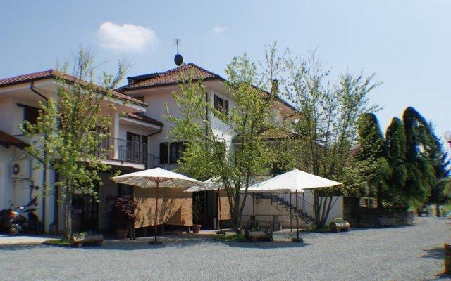 Отель Azienda Agrituristica Costa dei Tigli Костиглиоле-д'Асти вид на фасад