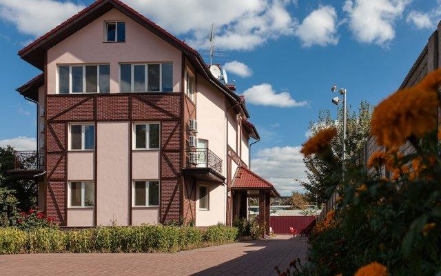 Home Comfort Hotel вид на фасад