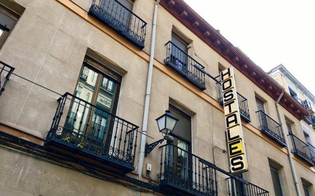 Отель Hostal Jemasaca-Palma61 Испания, Мадрид - отзывы, цены и фото номеров - забронировать отель Hostal Jemasaca-Palma61 онлайн вид на фасад