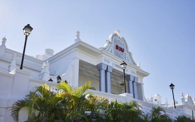 Отель Riu Palace Riviera Maya Плая-дель-Кармен вид на фасад