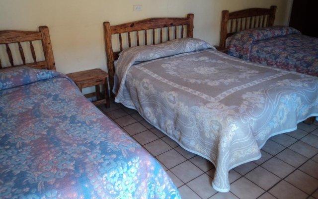 Отель Los Pinos Мексика, Креэль - отзывы, цены и фото номеров - забронировать отель Los Pinos онлайн комната для гостей