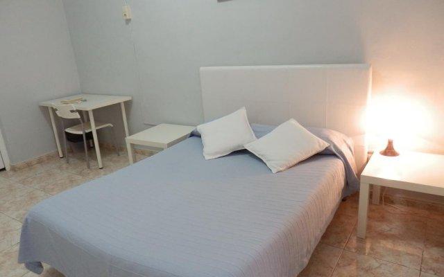 Отель Pensión Solárium Испания, Барселона - отзывы, цены и фото номеров - забронировать отель Pensión Solárium онлайн комната для гостей