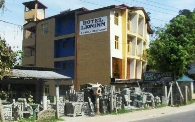 Hotel Lion Inn вид на фасад