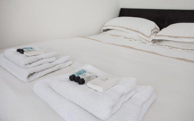 Апартаменты Basic Apartment for Two Amazing Location Лондон комната для гостей