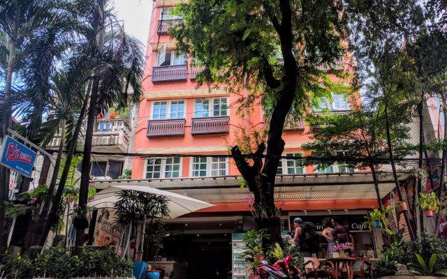 Отель Bbhouse Rambutri Бангкок вид на фасад