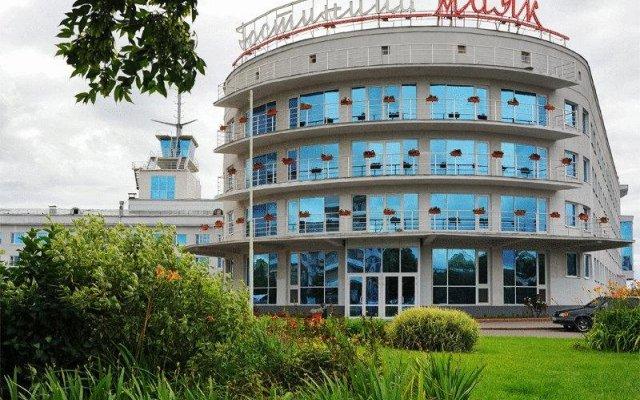Отель Маяк (корпус Омь) Омск вид на фасад