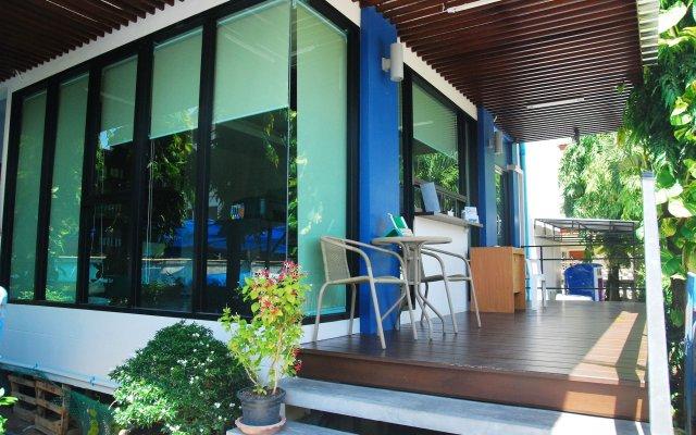 Отель Riski Residence Bangkok-Noi вид на фасад