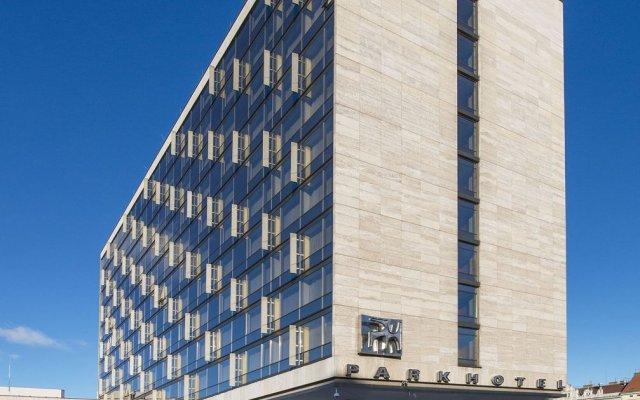Отель Mama Shelter Prague Чехия, Прага - 10 отзывов об отеле, цены и фото номеров - забронировать отель Mama Shelter Prague онлайн вид на фасад