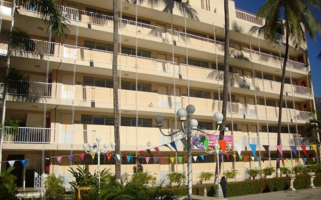 Sands Acapulco Hotel & Bungalows вид на фасад