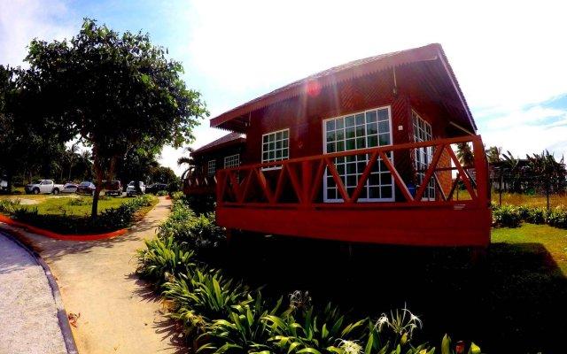 Отель Scuba Tiger Semporna Holiday Resort вид на фасад