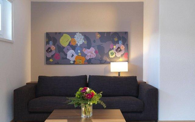 Отель Serviced Apartments by Solaria Швейцария, Давос - 1 отзыв об отеле, цены и фото номеров - забронировать отель Serviced Apartments by Solaria онлайн комната для гостей