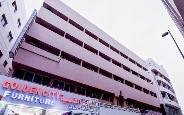 OYO 166 Melody Queen Hotel Дубай вид на фасад
