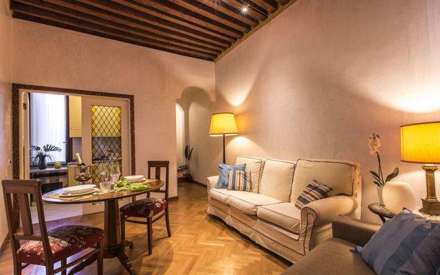 Апартаменты San Marco Boutique Apartment комната для гостей