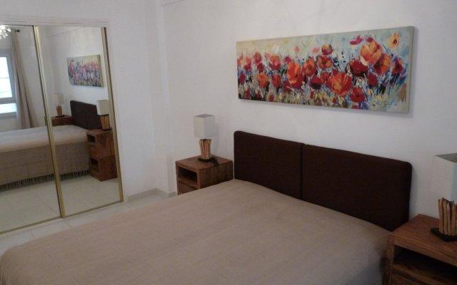 Apartment 82 0