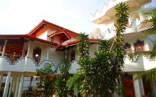 Peacock Reach Hotel вид на фасад