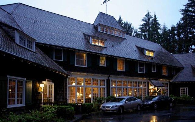 Отель Lake Quinault Lodge Куинолт вид на фасад